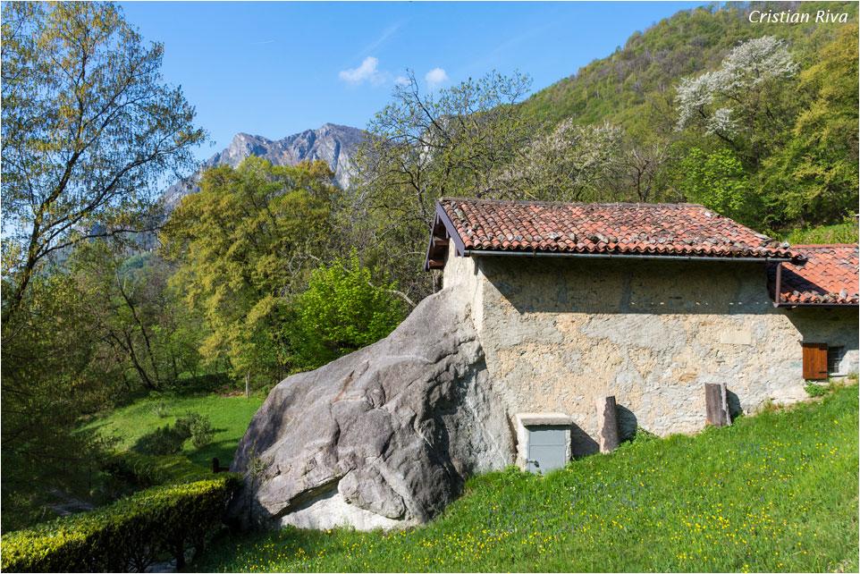 Monte Moregallo via Preguda: Baita prima del Sasso Preguda