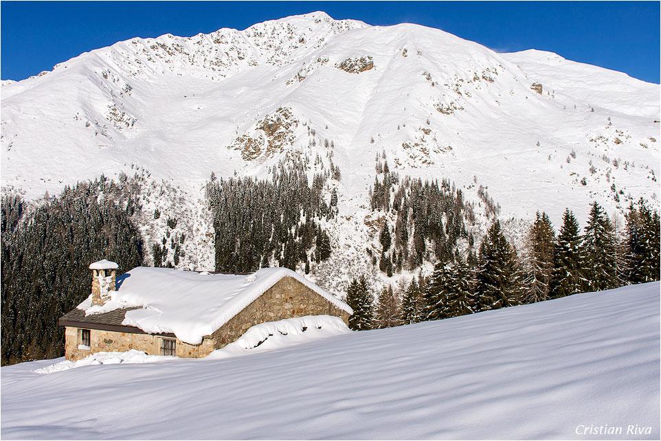 Ciaspolata monte Arete: baita nuova