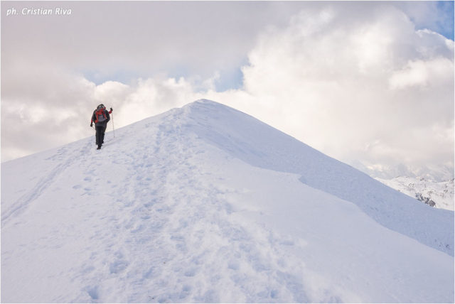 Ciaspolata sul Pizzo Baciamorti: lungo la cresta innevata