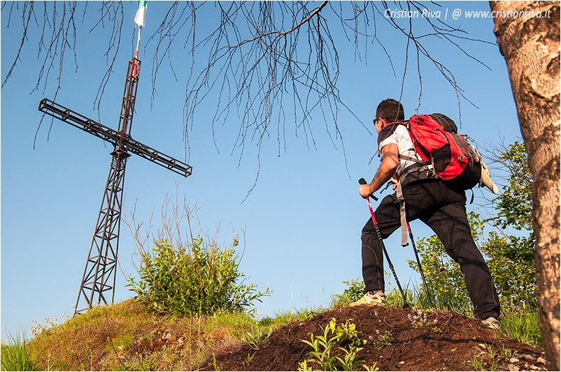 Anello di Cima Parè: croce sul monte Cimiero