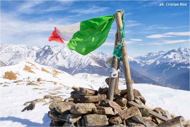 Ciaspolata sul Monte Pagano: tricolore sulla vetta