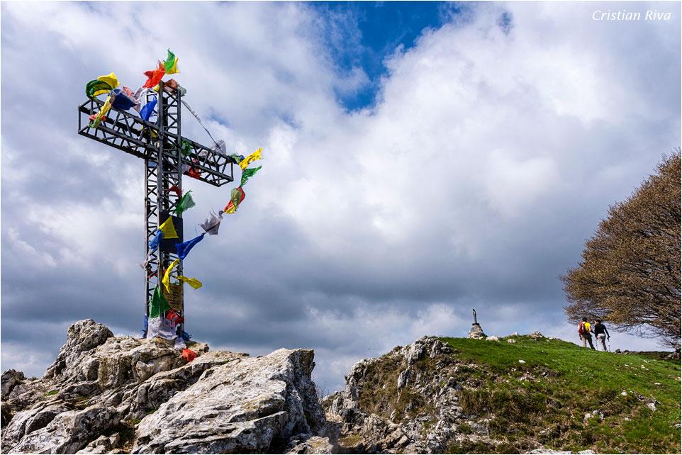Monte Moregallo via Preguda: croce sul monte Moregallo