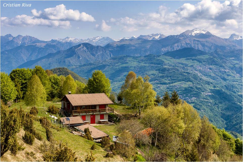 Anello: Pizzo Cerro, Castel Regina e Monte Foldone