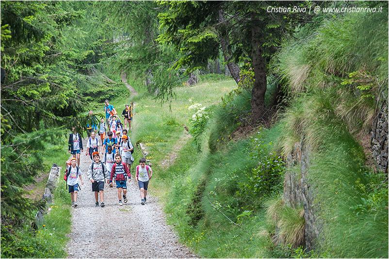 Sentiero estivo del Calvi: giovani escursionisti del CRE