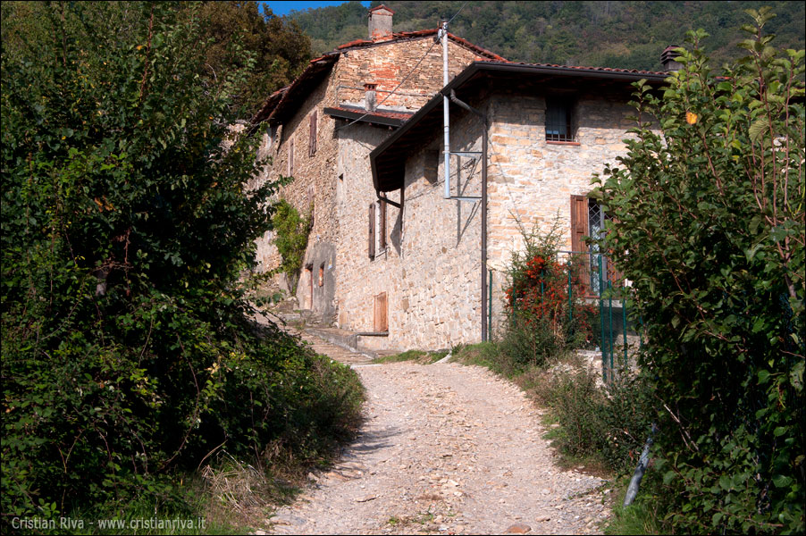 Sentiero Papa Giovanni XXIII: torre San Giovanni: Bastone
