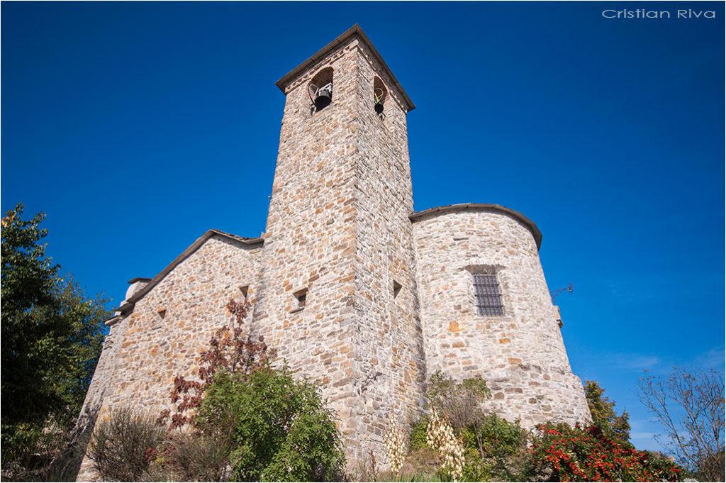 Val Trebbia e anello del Brugnello: Brugnello e la chiesa di San Rocco
