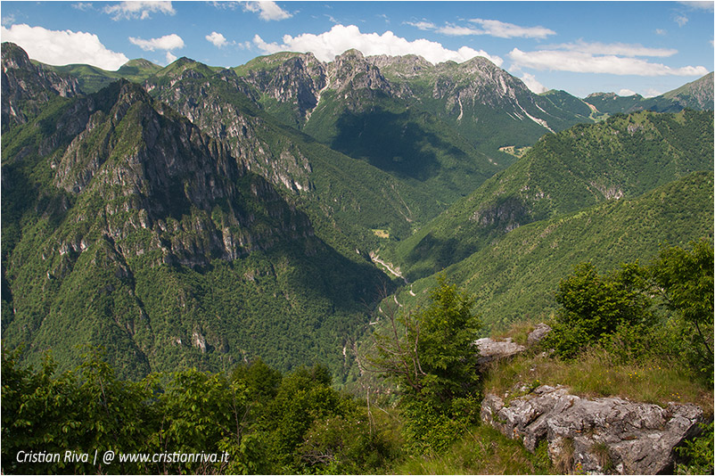 Pizzo di Cusio e Monte Disner: panorama verso lo Zuccone Campelli