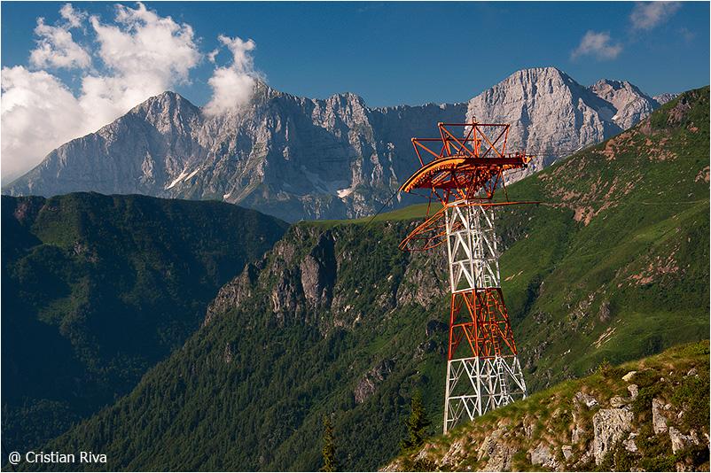 Monte Pradella: piloni della funivia