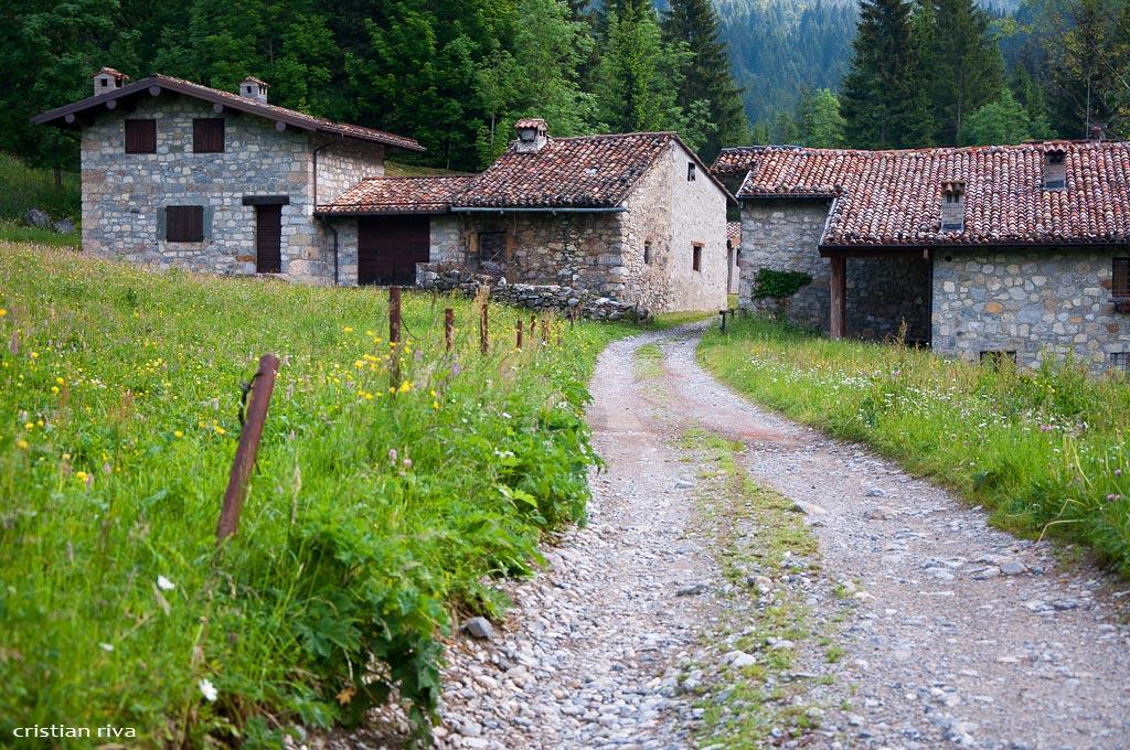 Monte Ferrante da Valzurio: baite del Moschel