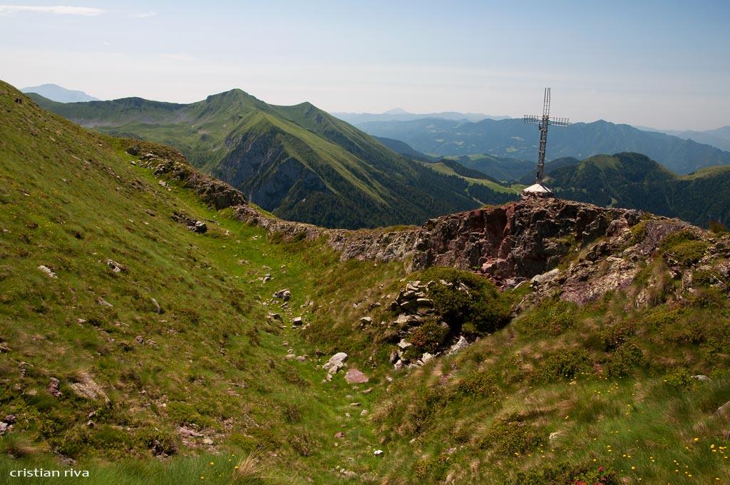 Val Sedornia: Calvera - Vigna Soliva - Pizzo Corna: la vetta del monte Calvera