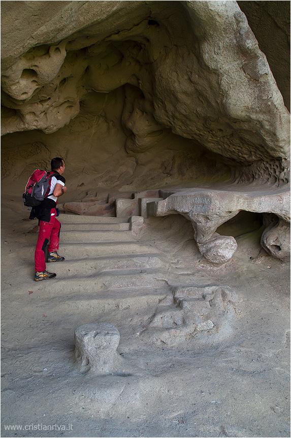 Val Tidone e la Rocca d'Olgisio: grotta delle Sante