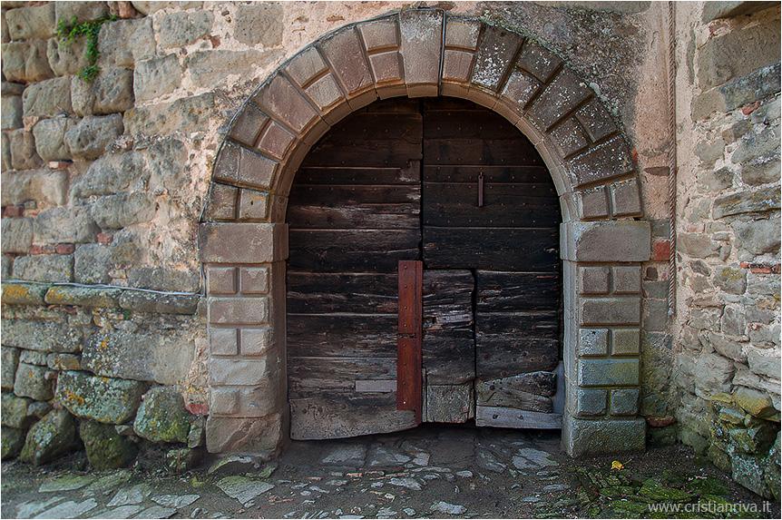 Val Tidone e la Rocca d'Olgisio: ingresso alla Rocca d'Olgisio