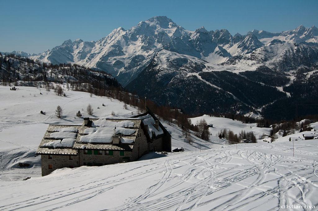 Alpe Prabello, paradiso per le ciaspole: rifugio Cà Runcasch