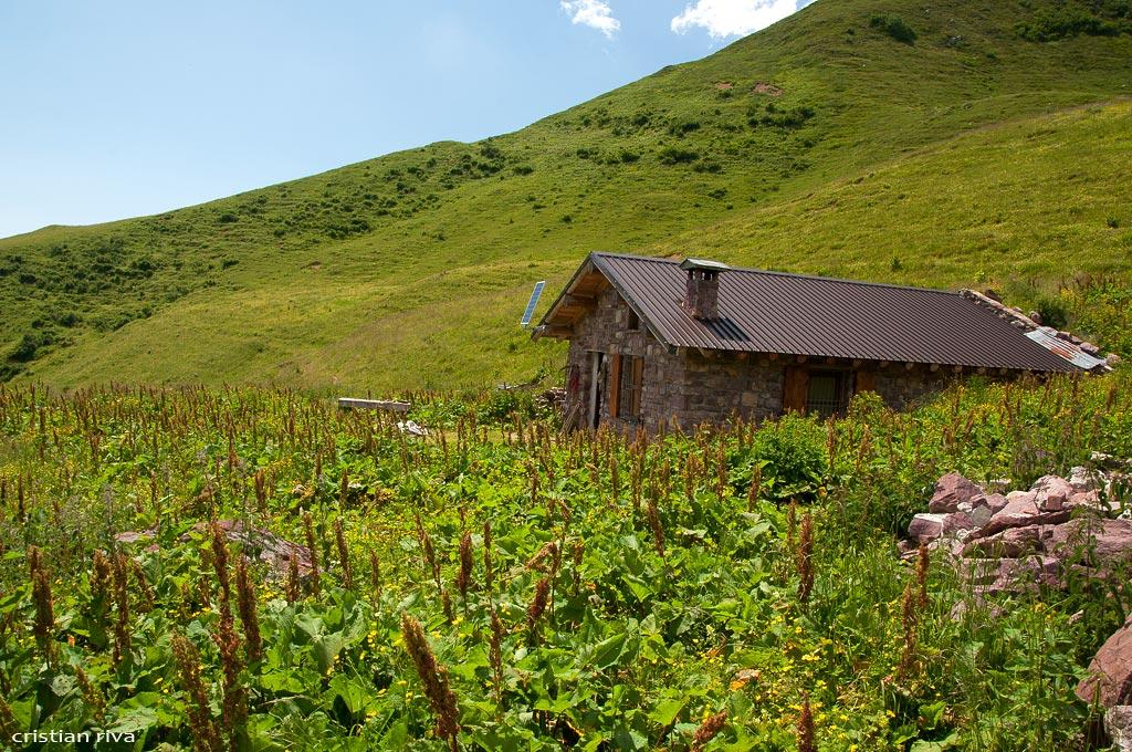 Val Sedornia: Calvera - Vigna Soliva - Pizzo Corna: baita alta Vigna Soliva