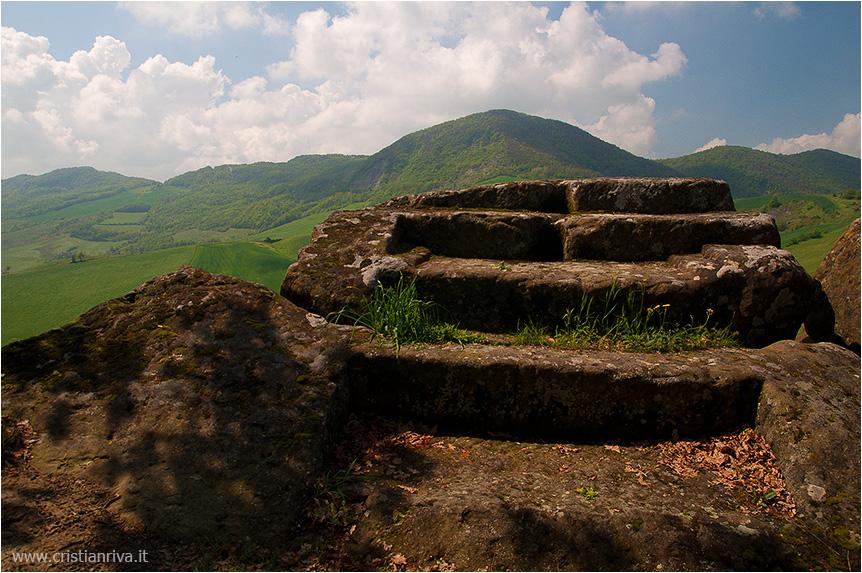 Val Tidone e la Rocca d'Olgisio: altare sacrificale