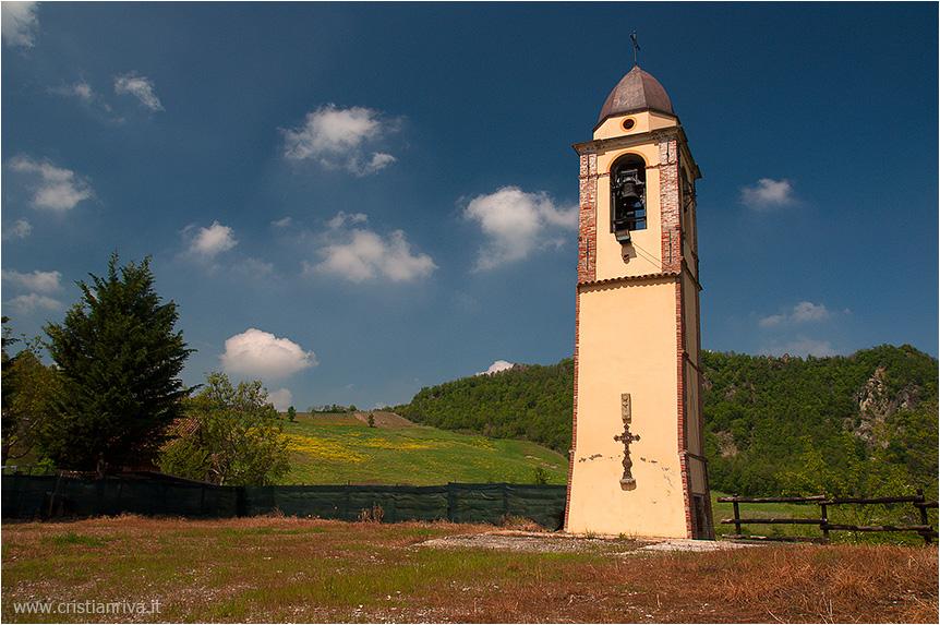 Val Tidone e la Rocca d'Olgisio: campanile orfano