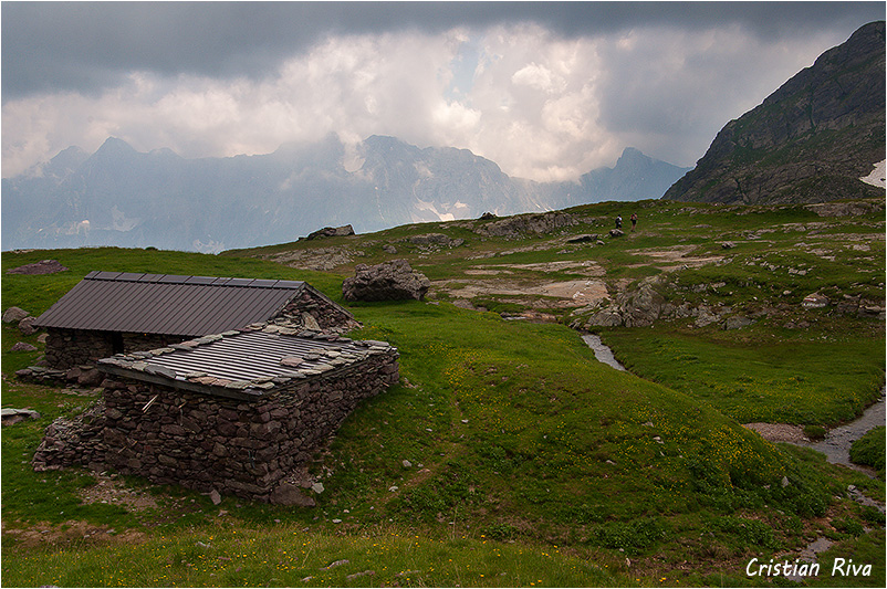 Monte Pradella: baite in Valsanguigno
